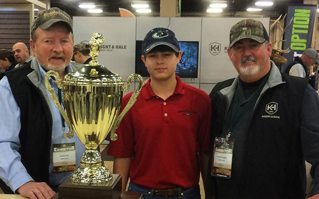 Knight & Hale Pro Staffer wins Junior Calling competition