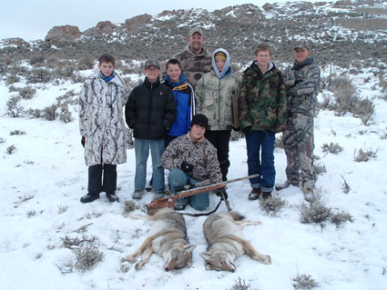 coyote multiple stand