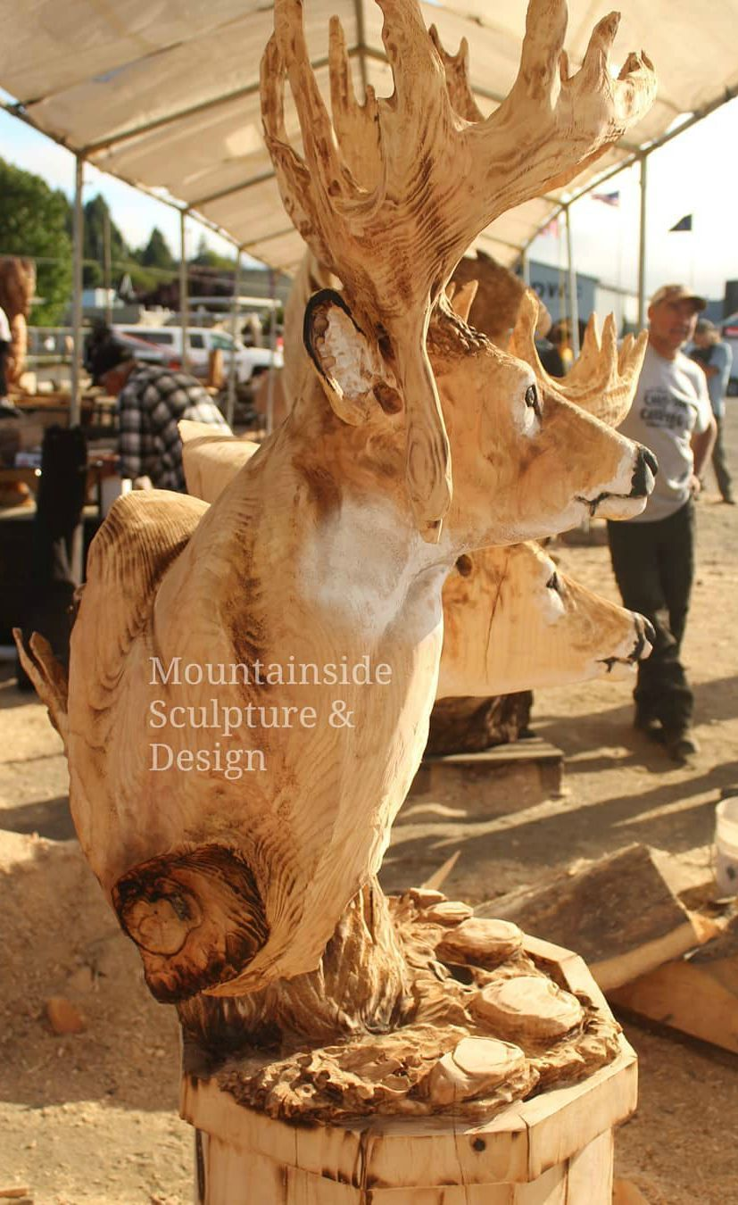 Carving Art Designs With A Chainsaw